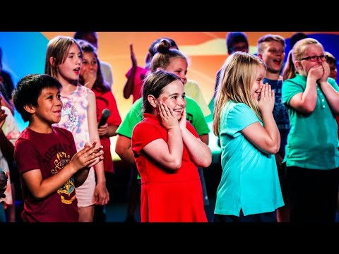 Jessica - Carrie Underwood Surprises Kids Choir