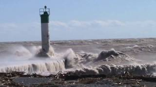 LAKE ERIE STORM AT PORT BRUCE ONTARIO CANADA 90 kmh  winds March 8 2017