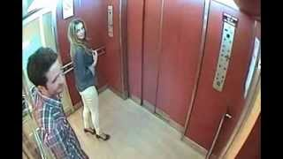 คลิปหลุด... หนุ่มสาวในลิฟท์ 2 ต่อ 2