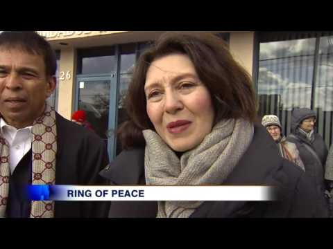 Video: Gestures of community for Muslims from interfaith community