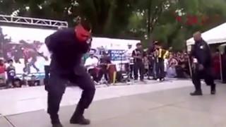 Policías bailando cumbia chola, VIDEO COMPLETO mix SUSCRÍBETE