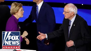 Warren appears to refuse to shake Sanders