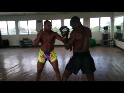 Hardcore Dutch style Muay Thai training ( Combination)