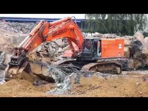 AWR-Abbruch Hitachi ZX870 LCH beim Fundament Rückbau