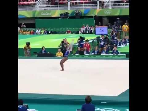 Симона Байлз США   Золото   Личное многоборье Рио 2016