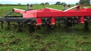 Comment réussir un sur-semis de légumineuses en prairies installées ? - ARVALIS-infos.fr