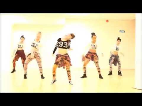 Chinese girls dancing african music