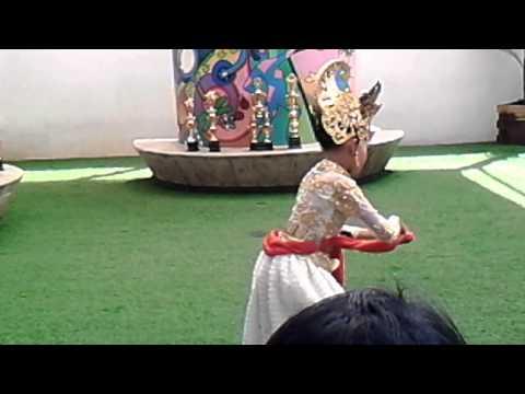 Puri emily judul lagu srikandi
