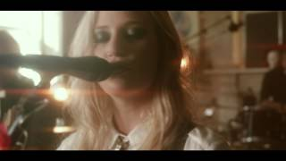 Gin Wigmore - Devil In Me (The Old Queens Head Session)