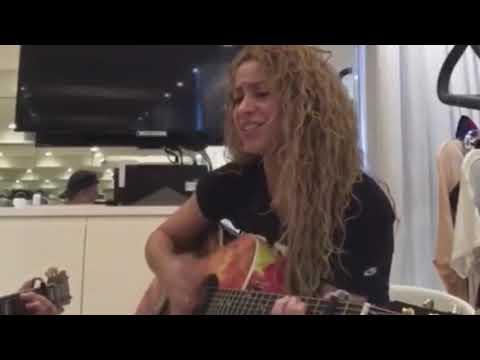 Shakira - Amarillo (Live Unplugged)