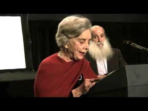 QT Elena Poniatowska en la presentación del documental Rosario
