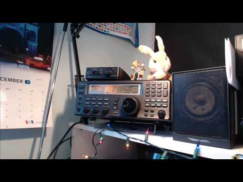 Tuning the shortwave radio bands live December 9th 2016 at 2000 UT