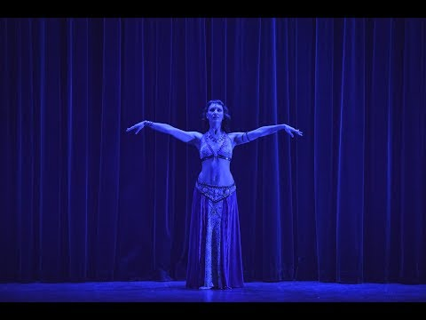 Marina D.Ray dances to Ecstatic Grounding by Liquid Bloom