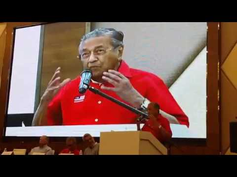 Mahathir: Kit Siang turned down minister post in the 70s