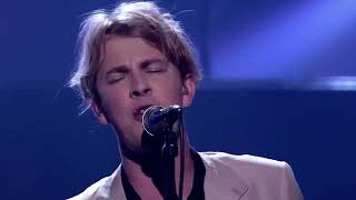 "Tom Odell on Michael McIntyre's Big Show - ""Silhouette"""