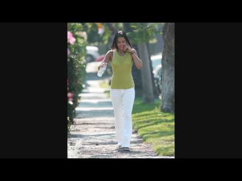 Michelle Rodriguez walking in Beverly Hills - 092606 - PapaBrazzi Report