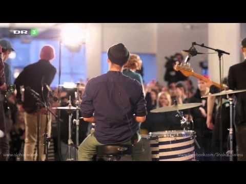 Alphabeat & Shaka Loveless - Musikalsk Joint Venture (Live)