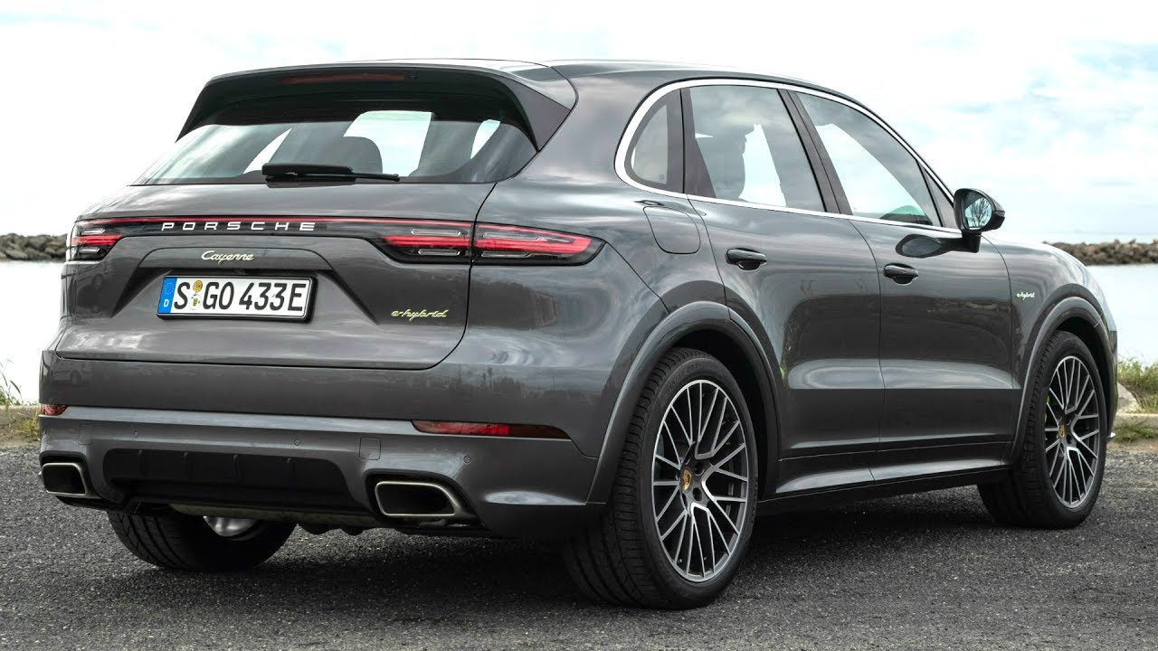 2019 porsche cayenne e hybrid quarzite grey metallic plugs in and boosts performance youtube. Black Bedroom Furniture Sets. Home Design Ideas