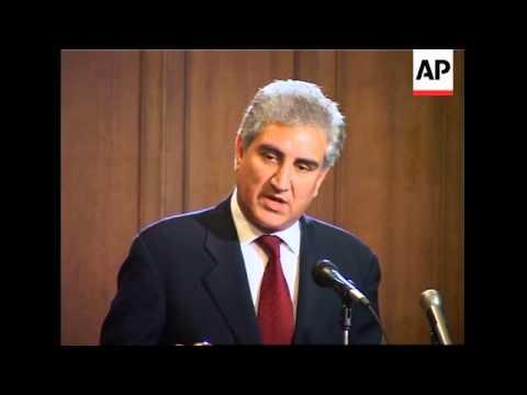 Chinese, Pakistan FMs discuss gas pipeline, Iran