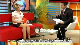 Hilal Ergenekon Mini Etekle Bacaklar Açık 2017 Video
