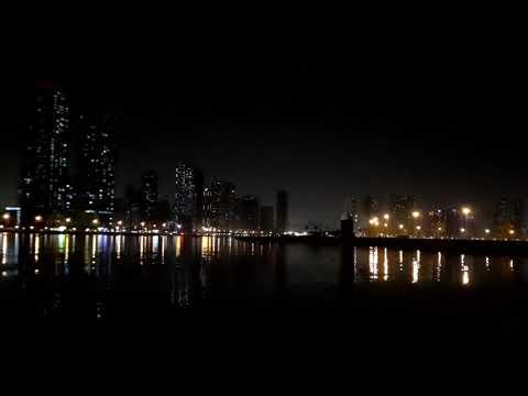 Dubai Marina Waterfront At Night रात में दुबई मरीना वाटरफ्रंट واجهة مرسى دبي في الليل