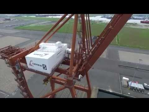 Containerkranen Ceres Terminal Westpoort in vogelvlucht