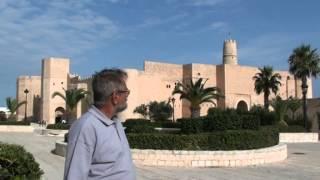 Монастир. Тунис. Monastir Tunisia(Рассказ о тунисском городе Монастир, крепости Рибат, о Хабибе Бургибе и его мавзолее., 2014-01-12T16:48:06.000Z)