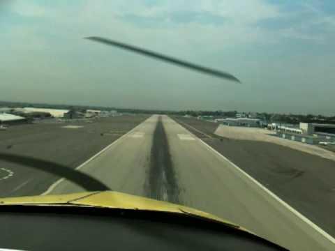 Grumman AA1 Landing SMO Rwy21