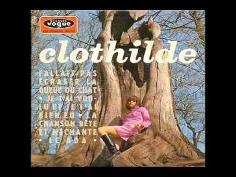 Clothilde -[01]- Fallait Pas Ecraser La Queue Du Chat