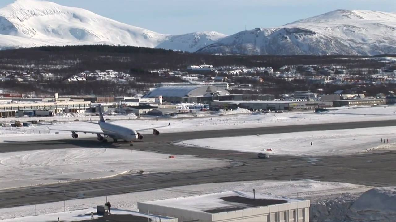 Sas Airbus 340 På Tromsø Besøk Sas A340 On The First