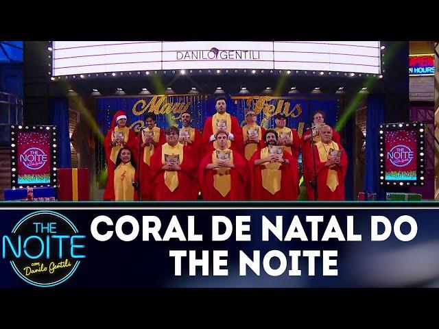 Coral do The Noite canta músicas natalinas | The Noite (25/12/18)