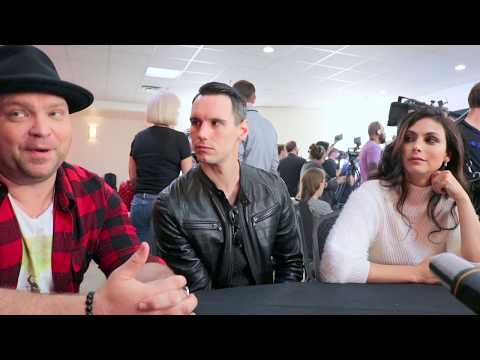 Drew Powell Butch, Cory Michael Smith Riddler & Morena Baccarin Leslie talk Gotham @ NYCC '17