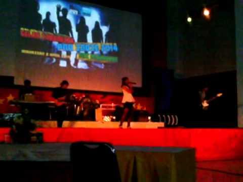 chiquitita band biar aku yang mengalah. live RRI makassar 2014