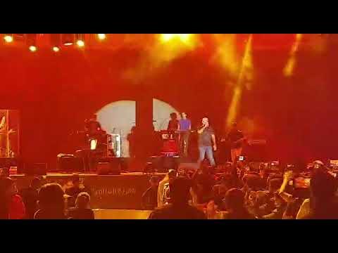 Vishal & Shekhar Sings Ghungroo Live At Global Village Dubai