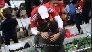 حسام غالي ومحمد فضل يستقبلان أحمد السعدني بالأحضان في مباراة الأهلي والترجي