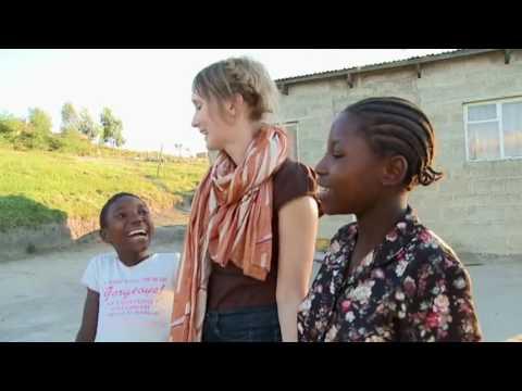 LESOTHO venninner. Sondre Lerche og Mona Fastvold besøkte Lesotho