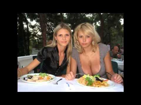 【画像】おっぱい撮られてるのに気づいてサービスしてくれたロシアの爆乳女教師が話題にwwww YouTube動画>1本 ->画像>373枚