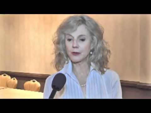 Actress Blythe Danner Helps Raise Awareness About Addiction Stigma