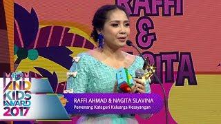 Video Keren, Nagita Slavina, Raffi, Rafathar Menang Keluarga Kesayangan  - Mom & Kids Awards 2017 (13/12) download MP3, 3GP, MP4, WEBM, AVI, FLV September 2018