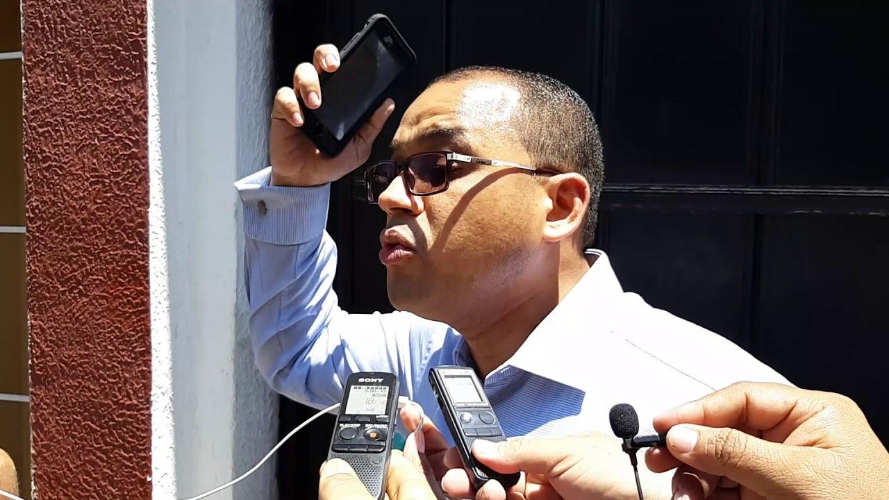 Alcalde Edgardo Pérez se entregó a las 11 y 20 a.m: lo acompañó su abogado Alex  Fernández Harding - LA LUPA CIÉNAGA