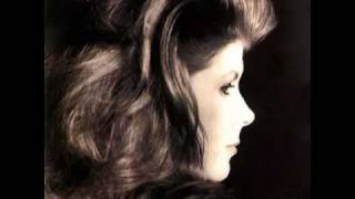 Watch Kirsty MacColl Complainte Pour Ste Catherine video