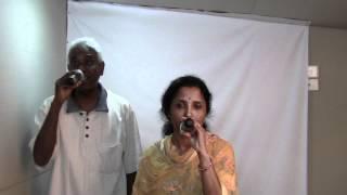 Raathiriyil Poothirukkum sung by Usha and Victor