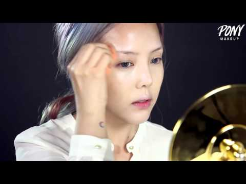Watch this Korean woman transform into Taylor Swift