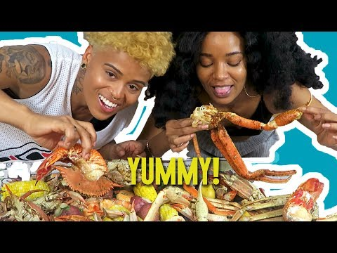 Seafood Boil Mukbang (Eating Show - CRABS, LOBSTER TAILS, SHRIMP, CORN AND POTATOES)