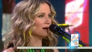 Jennifer Nettles performs Unlove You