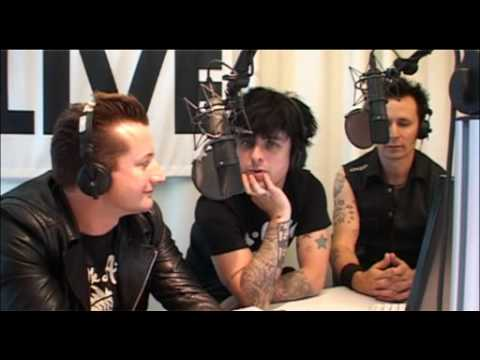 Green Day 1LIVE radio interview (With Subtitles) Mp3