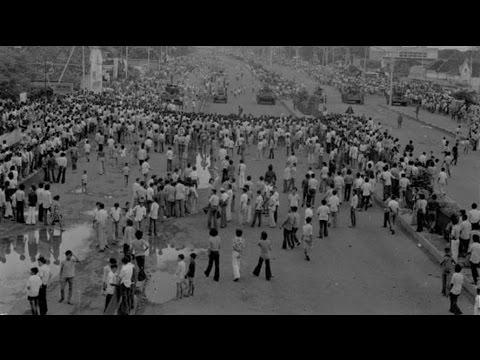 Salah satu dosa rezim Orba yang menjadi target Komnas HAM adalah peristiwa Malari; yang tak pernah berhasil diusut tuntas (gambar dari: https://www.youtube.com/watch?v=tn2HigHnleY)