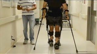 Экзоскелет вернул парализованному способность ходить(новости)