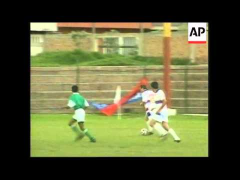 COLOMBIA: CONSERVATIVE LEADER PASTRANA PLAYS IN SOCCER MATCH