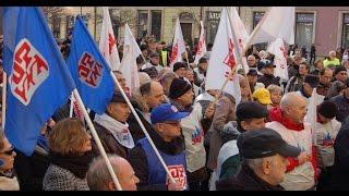 Protest przed wrocławskimi biurami parlamentarzystów Platformy Obywatelskiej.
